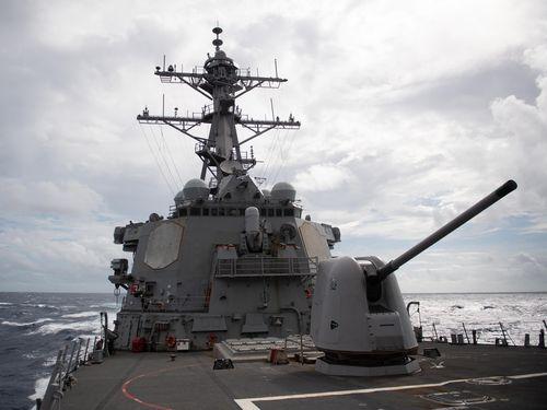 米海軍のミサイル駆逐艦「バリー」=米太平洋艦隊提供