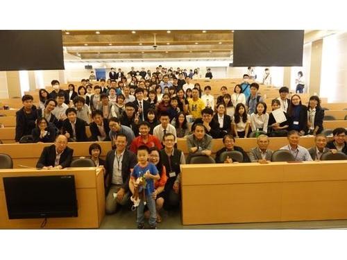 「第11回日本語朗読コンテスト」の参加者ら=上條純恵さん提供