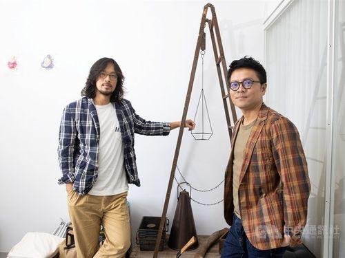 「biaugust 両個八月」の荘瑞豪さん(右)と盧袗雲さん