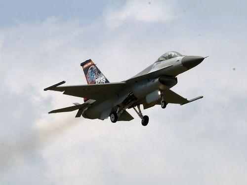空軍のF16戦闘機=2017年9月、花蓮県