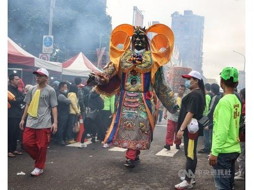 艋舺青山宮の祭りの様子。今年は創建165周年に当たり、例年より盛大に開かれた。