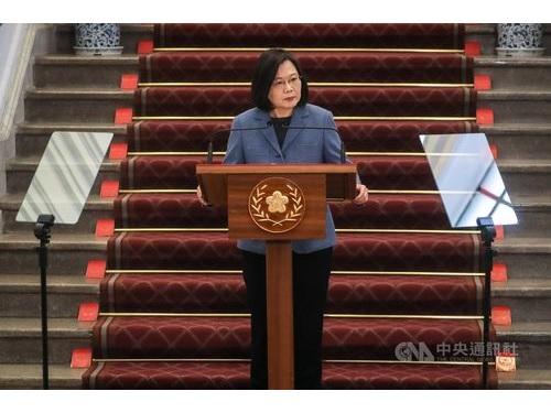 総統府で新年の演説を行う蔡総統