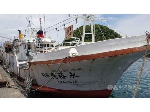 宜蘭県蘇澳籍の遠洋漁船「永裕興18号」=資料写真、読者提供
