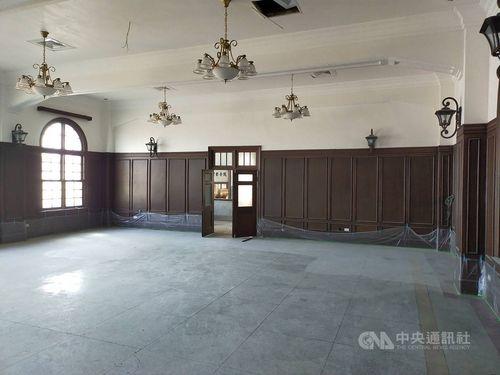 ホテルとレストランが併設されていた台南駅の2階=台鉄提供