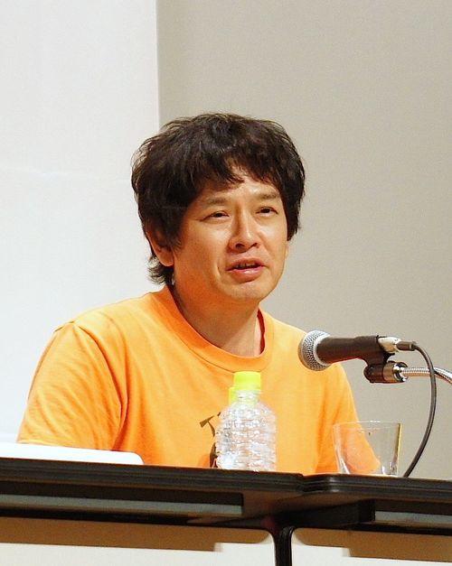 奈良美智さん=ウィキメディアコモンズから、作者Hsinhuei Chiou、CC BY-SA 4.0