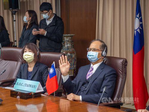 游立法院長(右手前)=同院提供