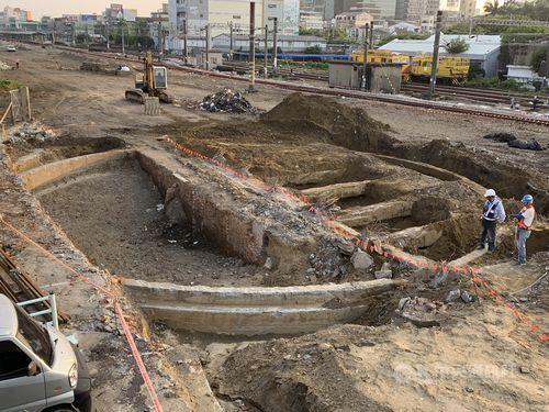 台南市で見つかった日本統治時代の転車台の遺構。写真は北側の遺構=同市文化資産管理処提供
