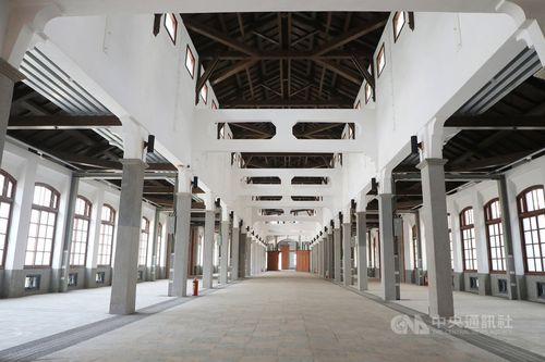 修復された「西市場」本館の内部=台南市政府提供