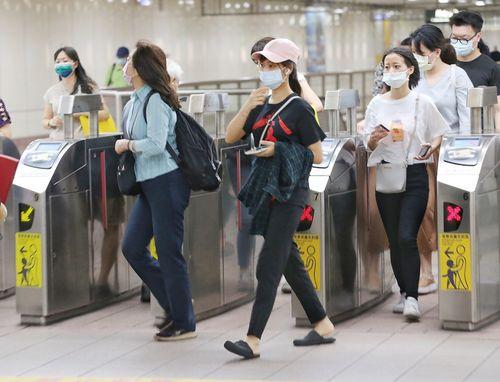 台湾で16人国内感染、過去最多 3人が感染源不明 新型コロナ=資料写真