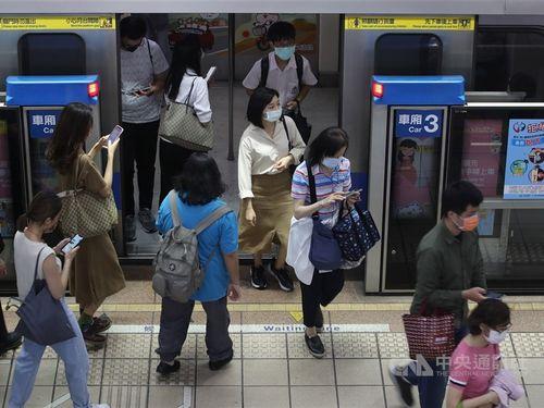 台湾、交通機関での防疫措置を強化 警戒レベル引き上げで
