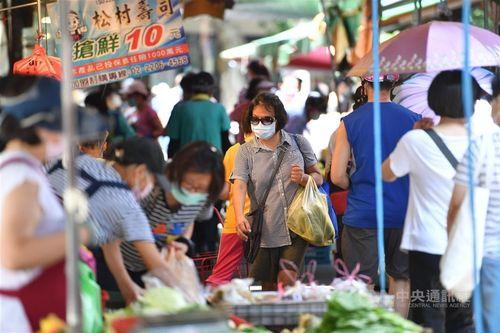 台北市、市場や夜市での飲食を禁止 一律テイクアウトに=資料写真