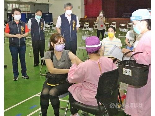新型コロナワクチンの集団接種の模擬訓練(台中市政府提供)