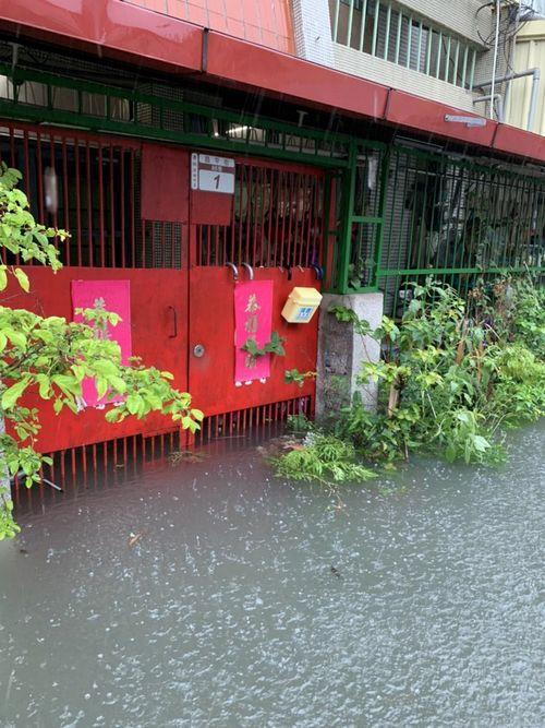 大雨で浸水した民家=彰化県(写真=曹嘉豪・彰化県議員提供)
