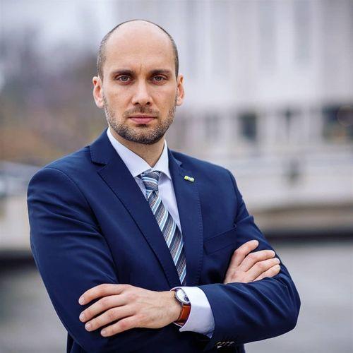 スロバキア経済省のGalek副大臣=本人のインスタグラムから