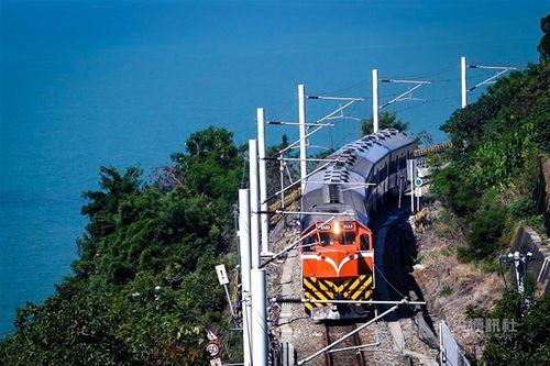 台鉄南廻線の電化で昨年12月に運行を終了した「藍皮車」