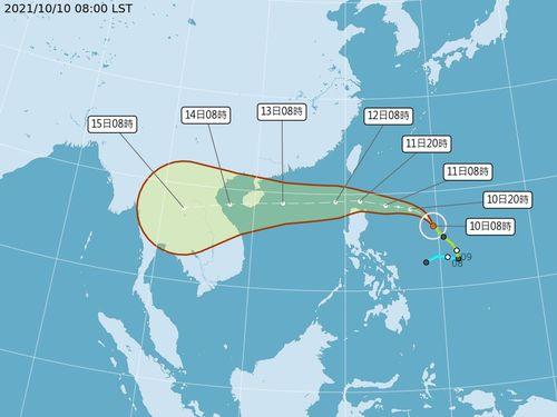台風18号、台湾南に接近へ 今晩8時に海上警報発令見込み=中央気象局提供