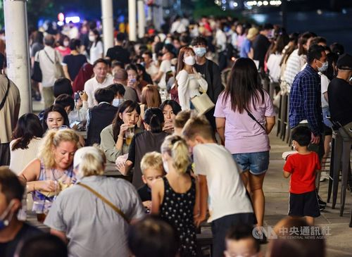 13日の国内感染・死者ともにゼロ 新型コロナ=写真は10月10日、台北市大稲埕埠頭で撮影