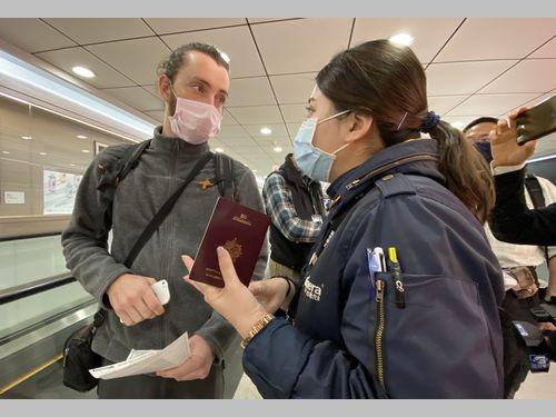 事実上の「封鎖」状態となった台湾 事情知らない外国人、空港で「門前払い」