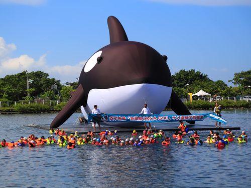 南部・台南市に巨大シャチが!