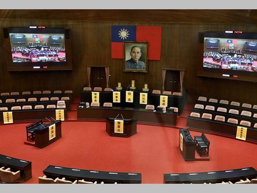 台湾の「全国古跡デー」 文化財の国会議場を一般開放