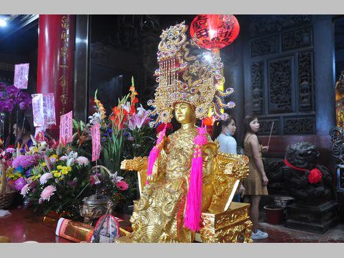 約11キロの純金に包まれた媽祖像 北東部・宜蘭県の廟で開眼式