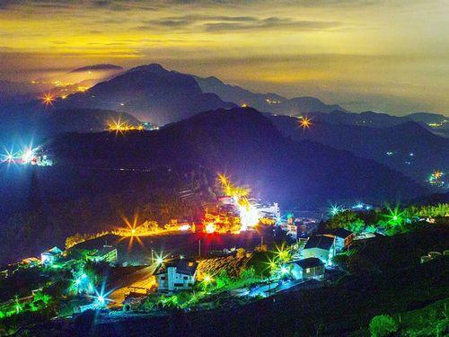 不思議な世界広がる阿里山の写真、世界的コンテストで受賞