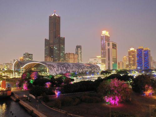南部・高雄港、新たな夜景スポット誕生