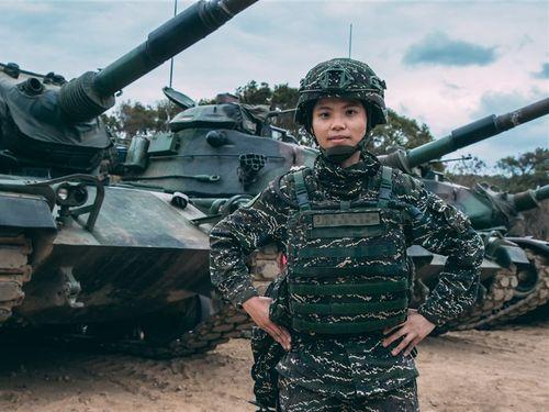 海兵隊戦車部隊の陳柔安さん、台湾初の女性戦車連隊長