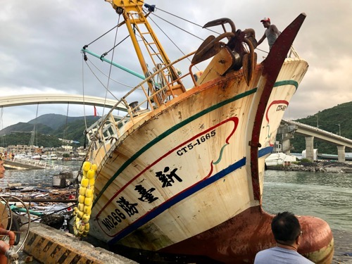 Migrant fishermen in Nanfang'ao still on a rough ride