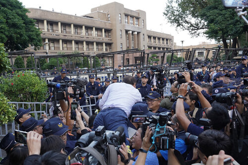 Retired police decry court's award of damages to Sunflower protesters