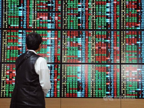 Taiwan shares close down 0.46%