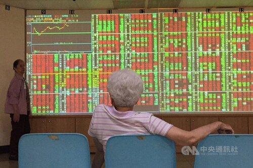 Taiwan shares close up 0.12%