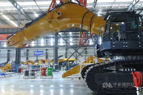Manufacturing activity improves in November