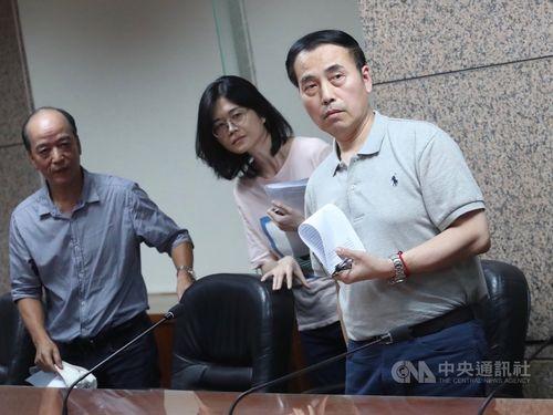 Chinese Taipei Skating Union Secretary-General Eddy Wu (right)