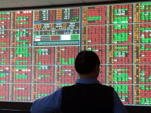Taiwan shares close down 0.06%