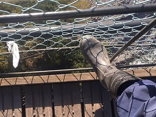 Child falls to death from suspension bridge in Nantou