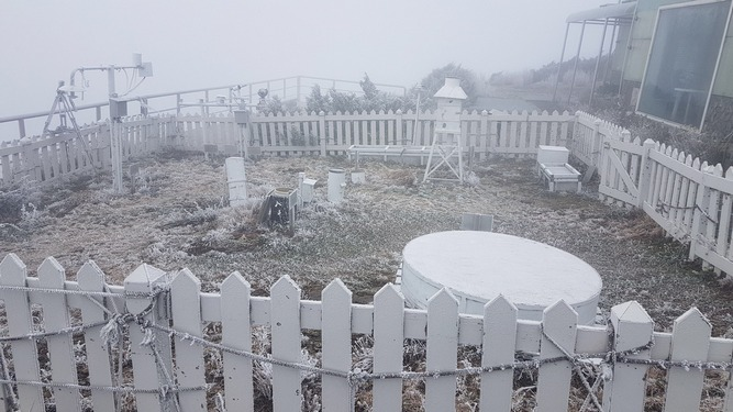 Photo courtesy of the Central Weather Bureau's Yushan weather station
