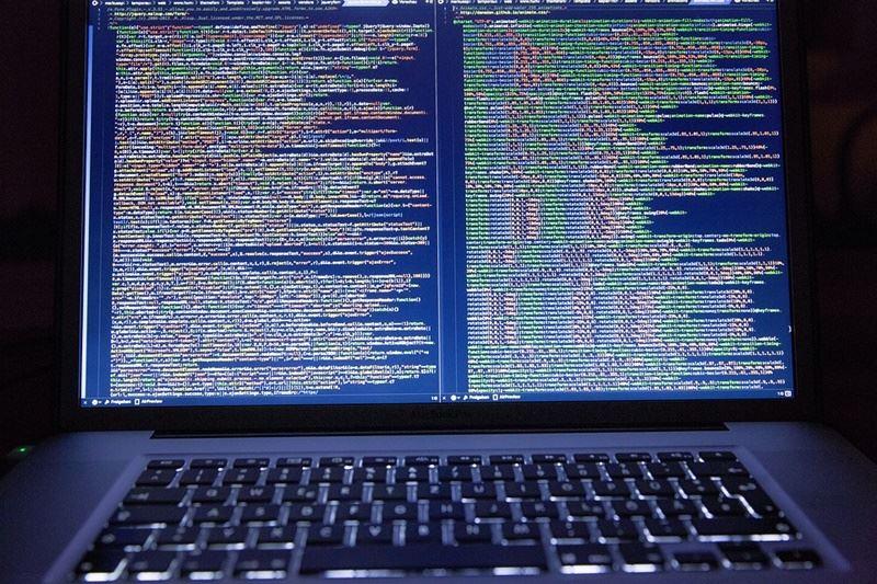 此為網路攻擊示意圖。(圖取自Pixabay圖庫)