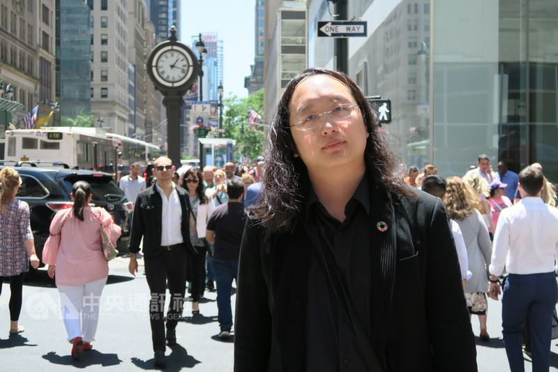 行政院政務委員唐鳳10至17日訪問紐約,與多位開放政府聯絡人分享台灣數位治理經驗。她說,這是台灣「暖實力」,期盼在紐約播種後生根發芽。中央社記者尹俊傑紐約攝  107年6月18日