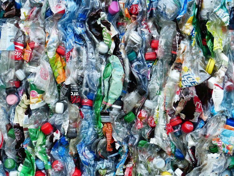 英國「金融時報」報導,受到中國「洋垃圾」禁令影響,英國塑廢料轉向其他國家輸出。圖僅為示意。(取自Pixabay圖庫)