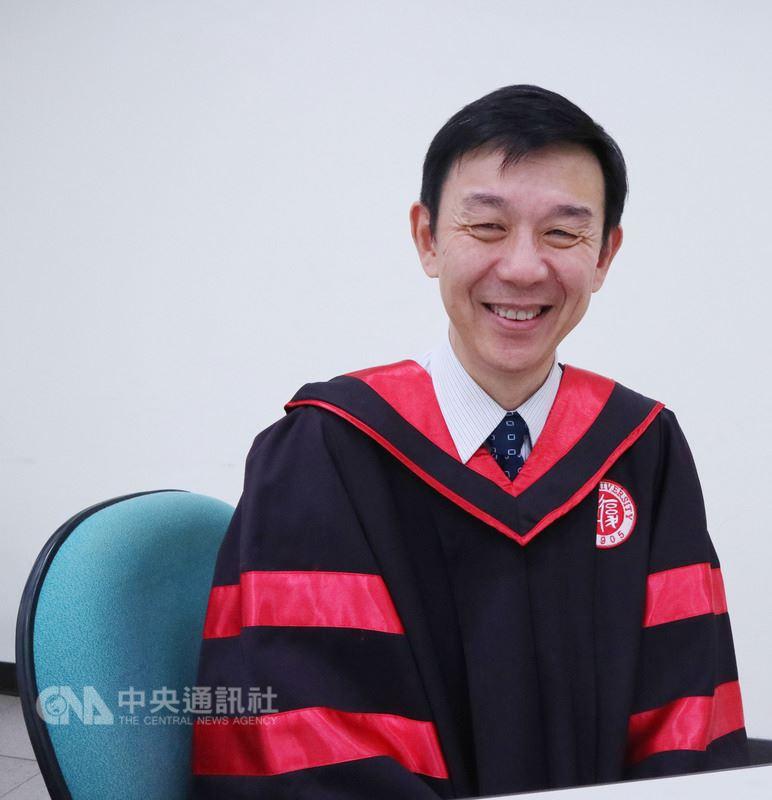 上海復旦大學管理學院副院長殷志文表示,與台大EMBA合作近10年,過程顯示,台灣保有更多人文優勢,許多企業經驗也值得中國大陸學習。中央社記者繆宗翰攝 107年6月23日