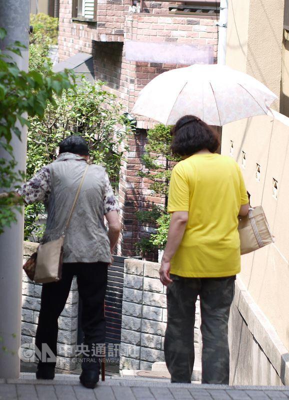 日本小型商店減少,高齡者自行購物愈來愈不方便。圖為示意圖。(中央社檔案照片)