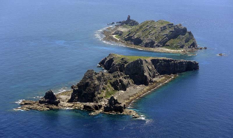 NHK報導,日本第11管區海上保安本部表示,24日上午有4艘中國海警船在釣魚台海域航行,入侵日本「領海」。圖為釣魚台列嶼。(檔案照片/共同社提供)
