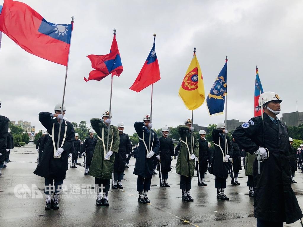 107年雙十國慶即將到來,國防部日前進行參演部隊預演校閱。(中央社檔案照片)
