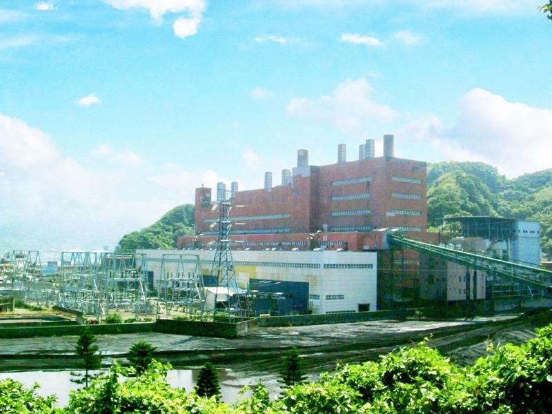 行政院長賴清德12日表示同意經部停止興建深澳電廠的決定。圖為除役前深澳電廠。(圖由台電提供)