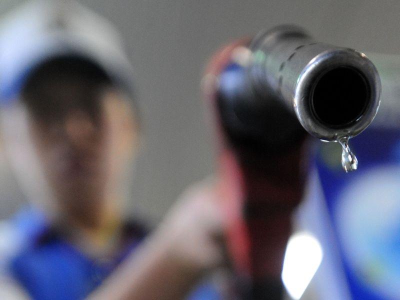 中油公司14日宣布,自15日凌晨零時起,國內各式汽、柴油價格均不予調整。(中央社檔案照片)