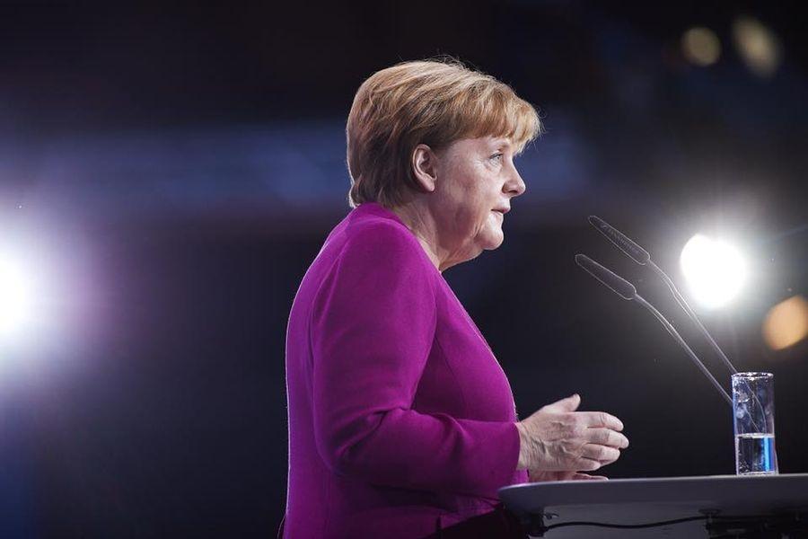 德國總理梅克爾為負起執政聯盟地方選舉失利責任,決定不角逐基民黨黨魁也確定不會再有下個總理任期。(圖取自梅克爾臉書facebook.com/AngelaMerkel)