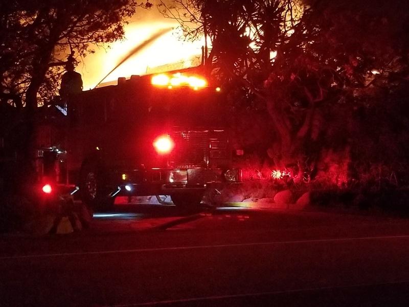 標特郡警長辦公室在聲明中表示,據信失蹤人數於18日晚間從原本1276人,下降283人至993人,但沒有透露其他細節。(圖取自facebook.com/CAFirefighters)