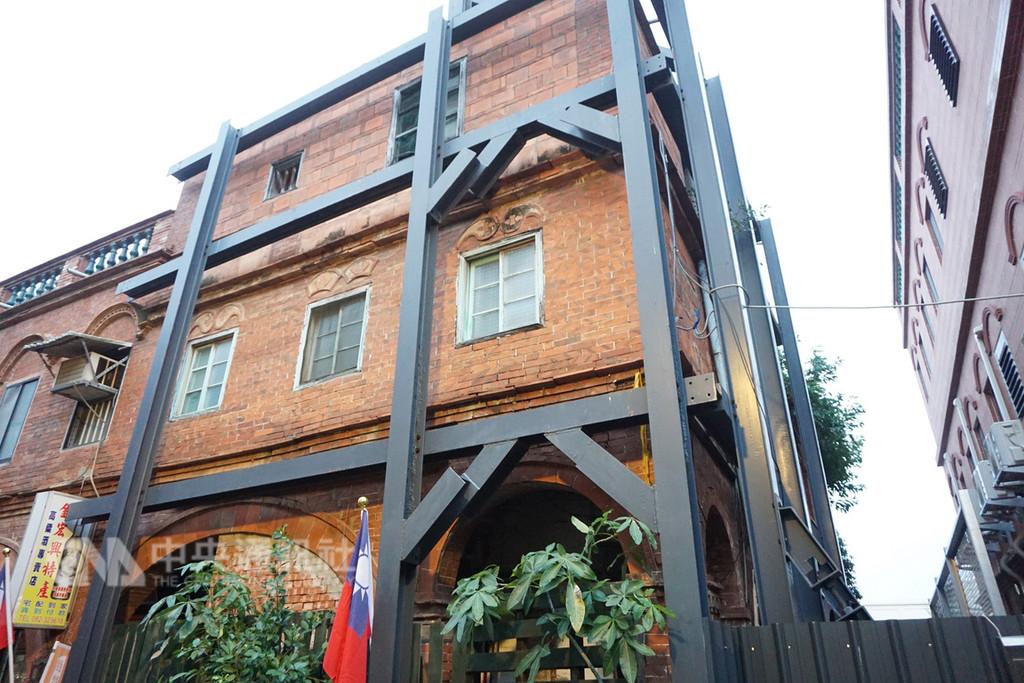 金門縣知名街景「模範街」修復案歷盡多年波折,工程終於在近期順利發包施作。中央社記者黃慧敏攝 107年11月27日