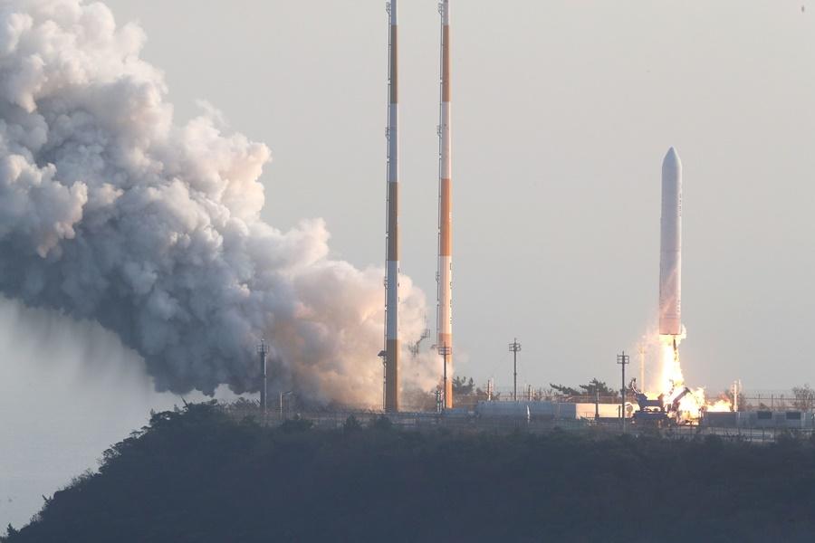 南韓自力研製的運載火箭Nuri號28日下午試射成功。(韓聯社提供)